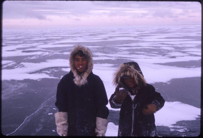Paulatuk kids on nearby ice (Nov '73) (2)0.jpg