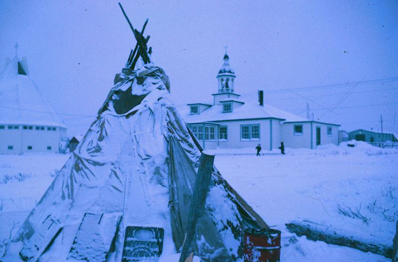 https://arrl-web002.artsrn.ualberta.ca/icrc/ICRC-PDF/Dr. Hunt Photos/Dr. D.E. Hunt photos - Inuvik 1968-69 173.jpg