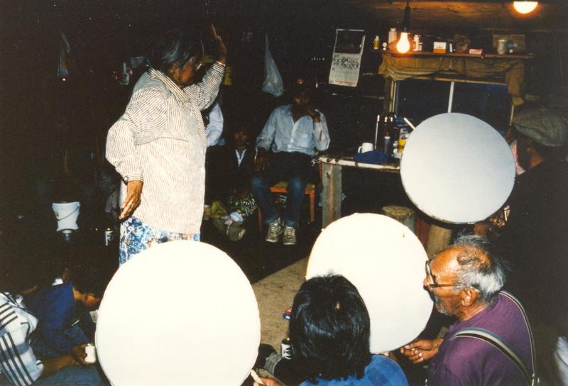 https://arrl-web002.artsrn.ualberta.ca/icrc/201801-upload/Qikiqtaruk - Herschel Island- Cultural Study/Herschel Island Cultural Study- Dora Malegana drum dancing at Shingle Pt- 1990 Yukon Heritage Branch.jpg