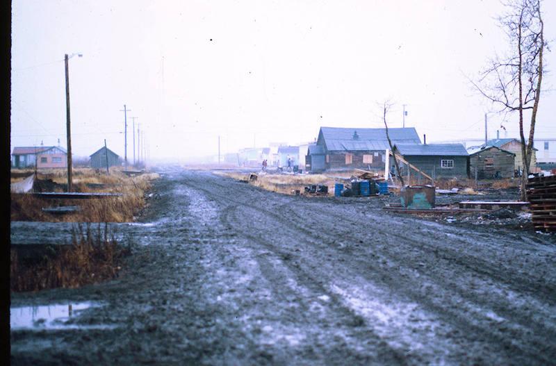 https://arrl-web002.artsrn.ualberta.ca/icrc/ICRC-PDF/Dr. Hunt Photos/Dr. D.E. Hunt photos - Inuvik 1968-69 003.jpg