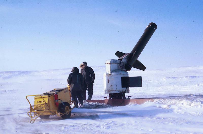 https://arrl-web002.artsrn.ualberta.ca/icrc/ICRC-PDF/Dr. Hunt Photos/Dr. D.E. Hunt photos - Inuvik 1968-69 180.jpg
