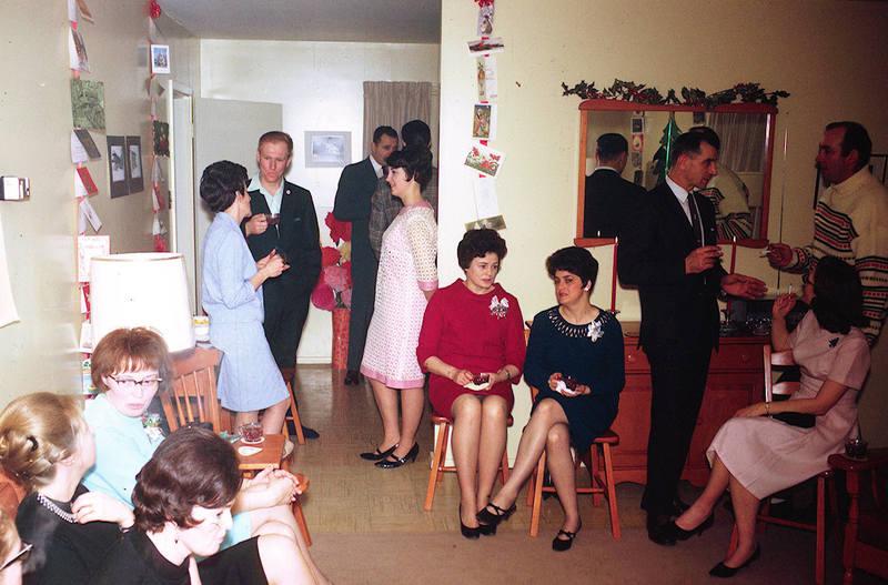 https://arrl-web002.artsrn.ualberta.ca/icrc/ICRC-PDF/Dr. Hunt Photos/Dr. D.E. Hunt photos - Inuvik 1968-69 168.jpg