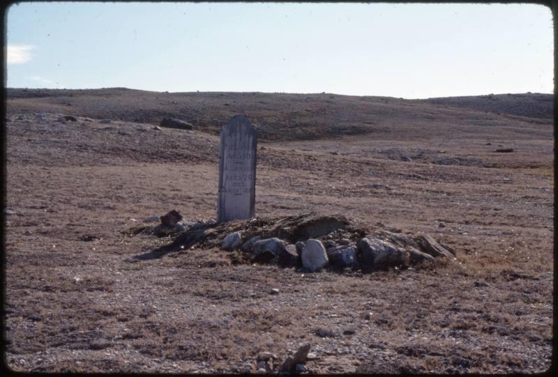 North end of Cape Parry, whaler's grave (Sept '76) (4)0.jpg