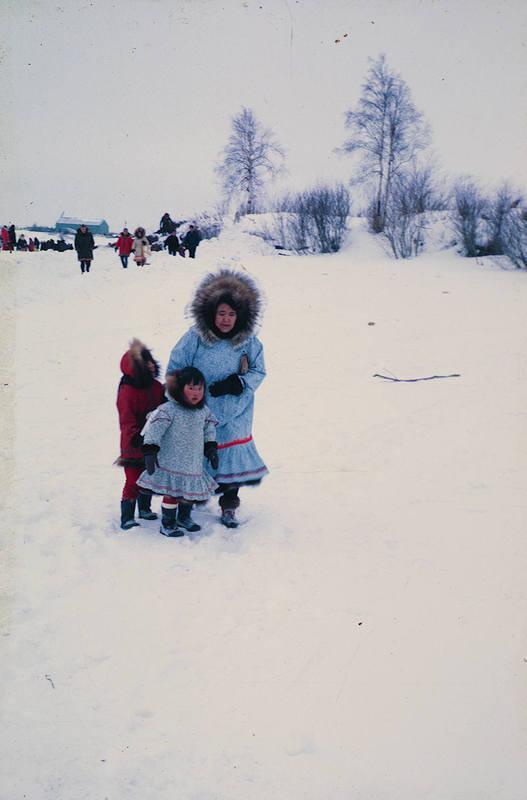 https://arrl-web002.artsrn.ualberta.ca/icrc/ICRC-PDF/Dr. Hunt Photos/Dr. D.E. Hunt photos - Inuvik 1968-69 176.jpg