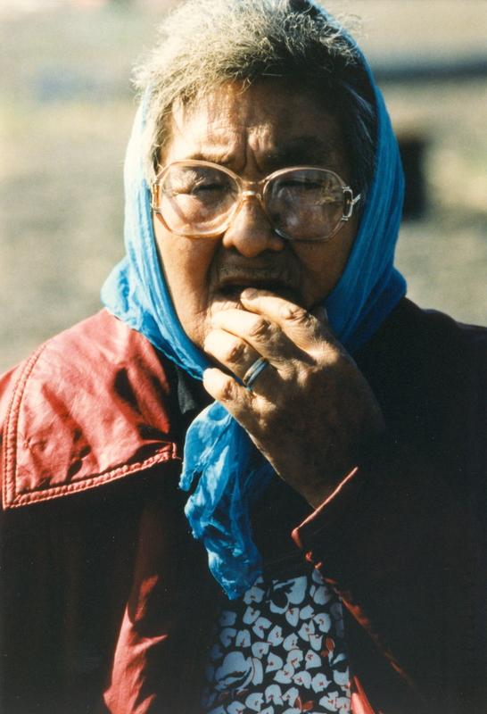 https://arrl-web002.artsrn.ualberta.ca/icrc/201801-upload/Qikiqtaruk - Herschel Island- Cultural Study/Herschel Is- Cultural Study- Kathleen Hansen at Shingle Pt-Yukon Heritage Branch.jpg
